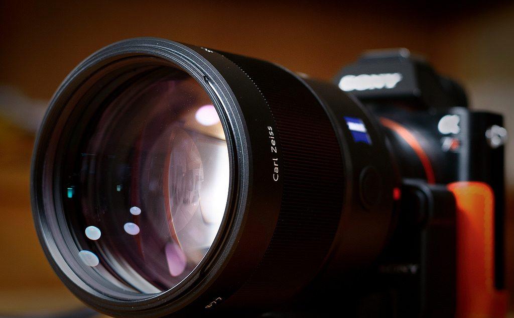 Ống kính Sony FE 24-70mm f/2.8 dần dần lộ diện? | 50mm Vietnam