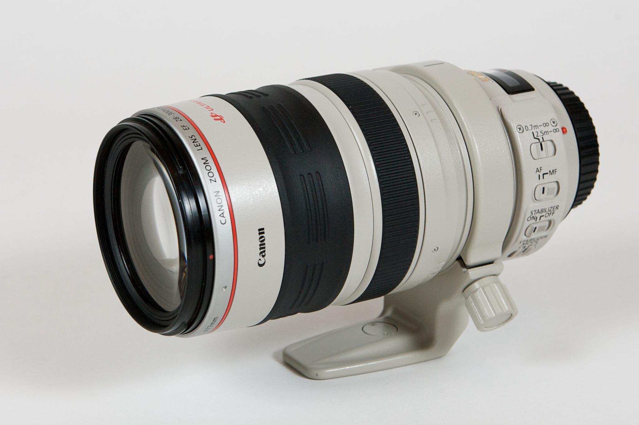 Canon EF 40-800mm f4.5-5.6 - Siêu zoom cực dị | 50mm Vietnam