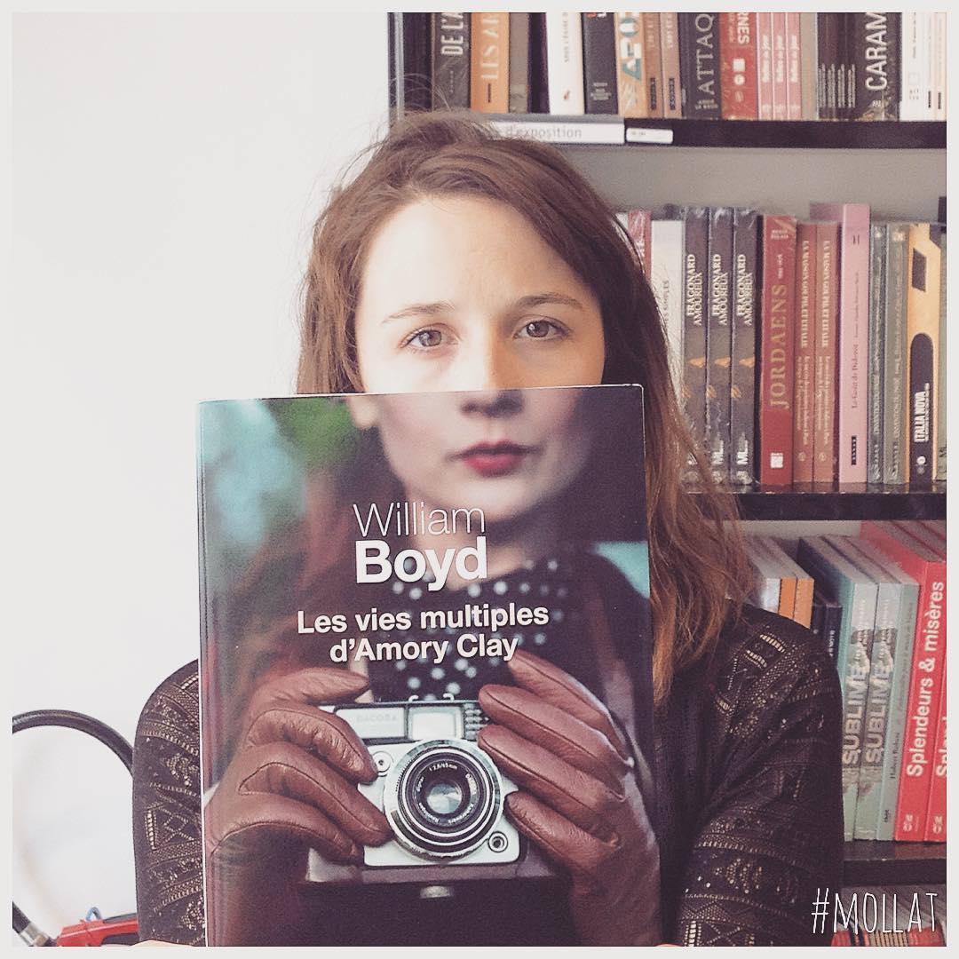 Ý tưởng nhiếp ảnh độc đáo tới từ một hiệu sách | 50mm Vietnam