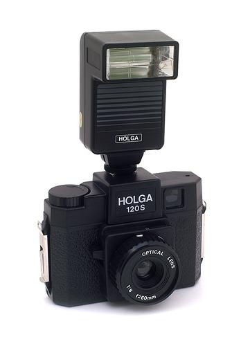 Huyền thoại Lomography giá rẻ Holga 120N bất ngờ tái sinh! | 50mm Vietnam