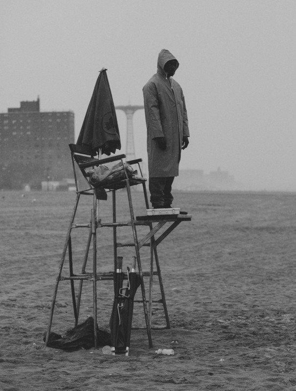 Ảnh bộ: Những chiếc bóng cô đơn tại New York của Luc Kordas
