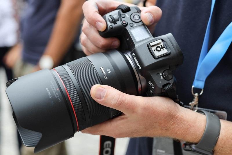 Canon sẽ ra mắt firmware nâng cấp cho EOS R: Dần san bằng lợi thế của đối thủ | 50mm Vietnam