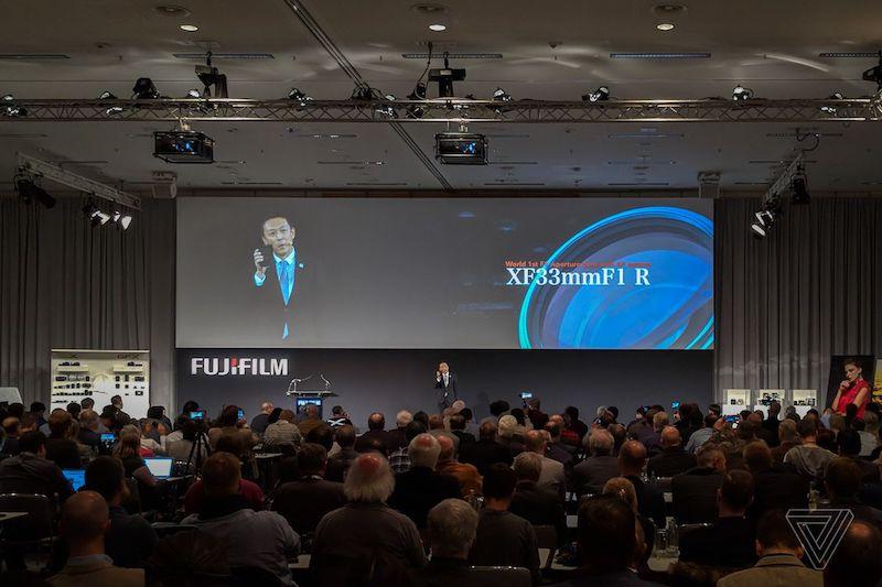 Fujifilm thuyết trình giới thiệu Fujinon XF 33mm F1 R