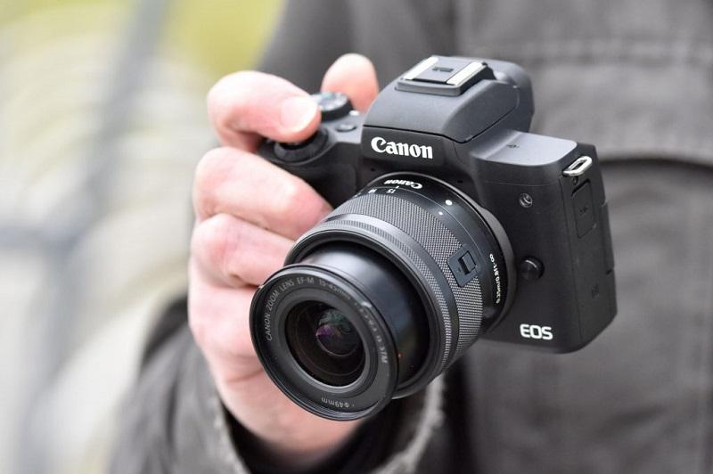 Canon trong năm 2019 có gì để cạnh tranh với đối thủ?   50mm Vietnam